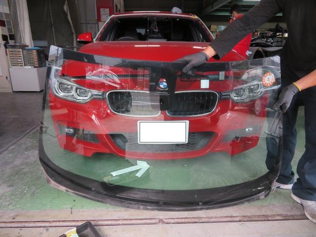 BMW フロントガラス エーミング (21).JPG