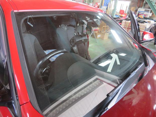 BMW フロントガラス エーミング (9).JPG
