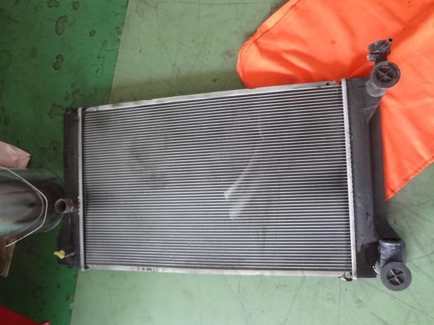 エアコン修理_カローラ(NZE141)_2.JPG