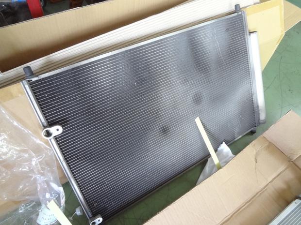 エアコン修理_カローラ(NZE141)_3.JPG
