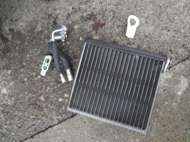 エアコン修理_フィルダー(DBA-NZE121G)_5.JPG