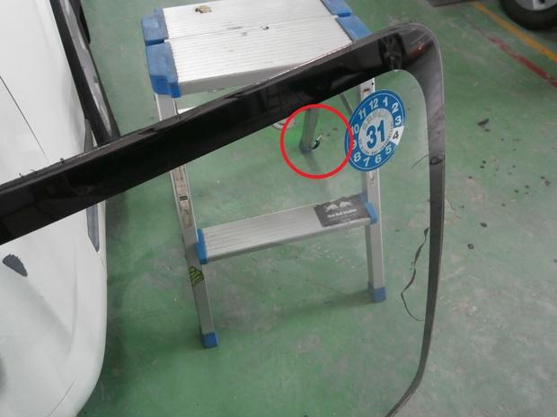 フロントガラス交換・ハイエースバン(KR-KDH200V) (2).JPG