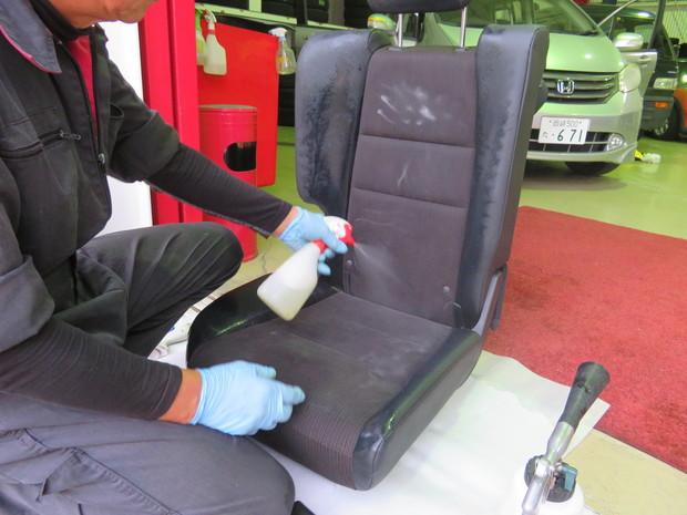 車内丸洗いクリーニング(おう吐)・フィット(GP1) (3).JPG
