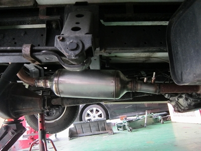 キャンピングカー排気ガス低減装置取付け5