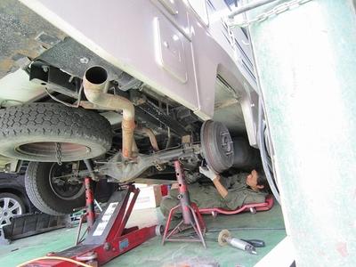 キャンピングカー排気ガス低減装置取付け3